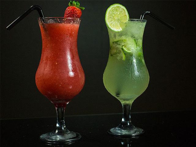 """Var kommer ordet """"cocktail"""" ifrån? Ursprunget till en cocktail är dolt i historiens dimma."""